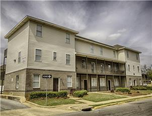 Emerson Court apartment in Tuscaloosa, AL