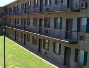 Pride Court apartment in Tuscaloosa, AL