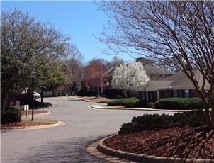 Yorktown Commons apartment in Tuscaloosa, AL